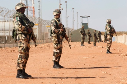 The Algerian army has beefed up its positions on the border with war-torn Mali to prevent incursions by armed rebels fleeing north. Algeria, which had always opposed military intervention in Mali, was reluctantly drawn into the conflict when it agreed to let French warplanes use its airspace, and closed its 1,400-kilometre southern border shortly afterwards. Photo: Reuters